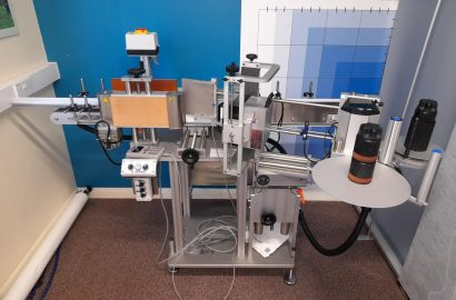 Herma 152C Electronically Controlled Wrap-Around Labeller (2020) with Smart Data X30 Thermal Coder Upgrade